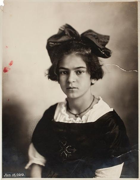 Фото мексиканской художницы Фриды Кало,