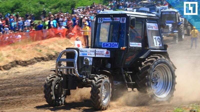 Жесткое столкновение тракторов