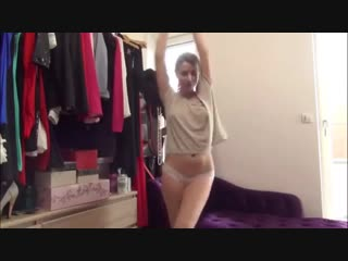 Эротический танец в Перископе Periscope(молоденькая шлюшка, вебкам, видеочат, порно, секс, блондинка, стройная)