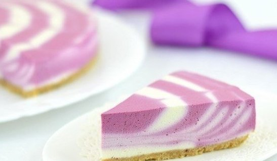 Двухцветный творожный торт (без выпечки).