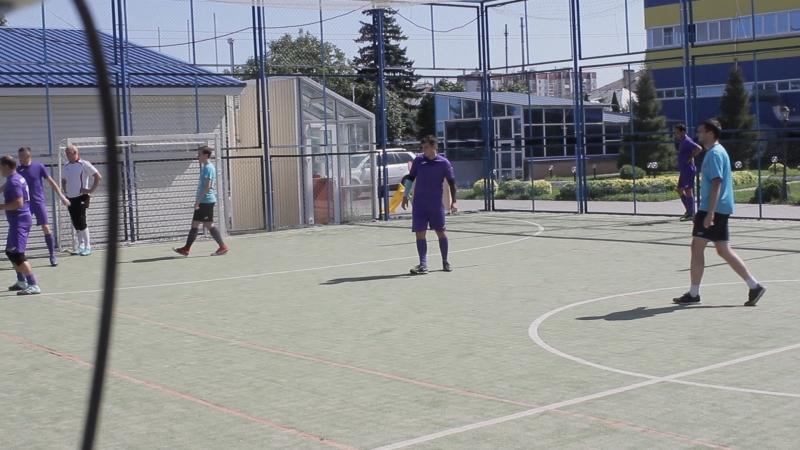 футбол на поле ДЕЛК_4