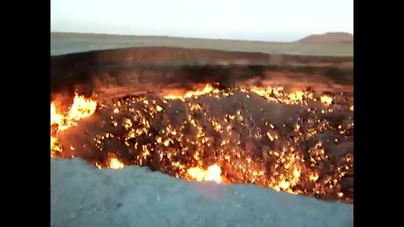 Метеорит в пустыне (небесное тело, природа, пустыня, огонь, воронка, астероид, камнем по голове пламя догорает красота явление).