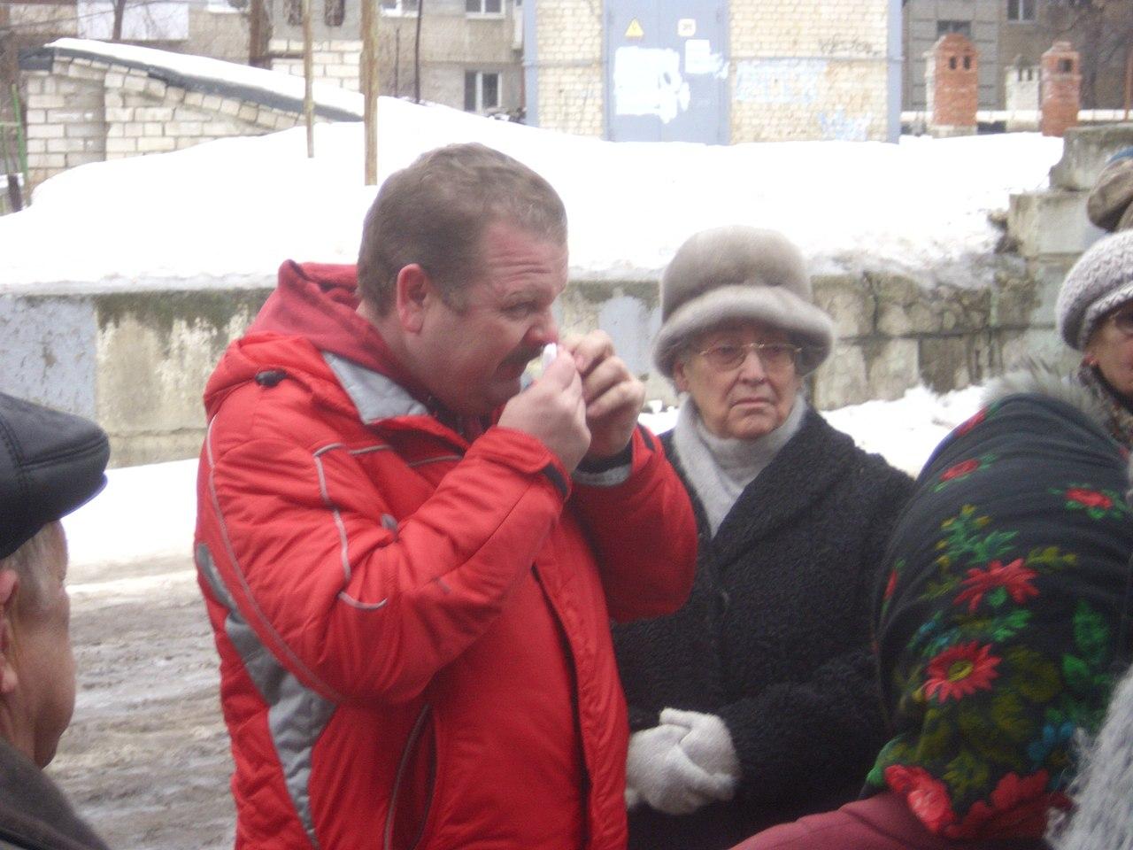 Михаил Шаповалов,   Грязно-коричневая реальность города С.