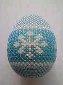 иеще одно фото для вдохновения- из инета. толковый мк по оплетению яиц бисером. http://stranamasterov.ru/node/103229.