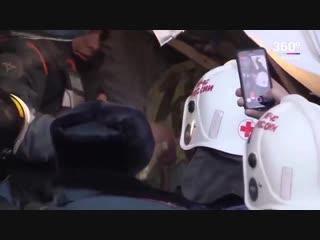 Видео спасения ребенка из-под завалов в Магнитогорске