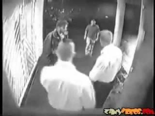 Жуткая драка в клубе охрану пырнули ножом