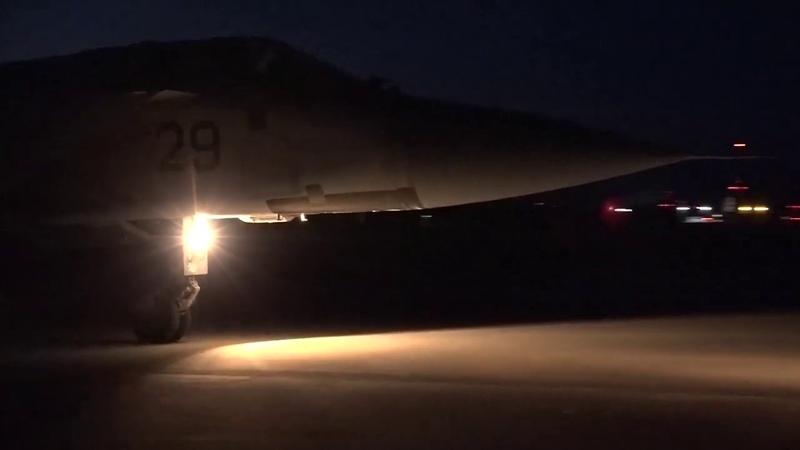 Ночные полеты истребителей-перехватчиков МиГ-31 Тихоокеанского флота