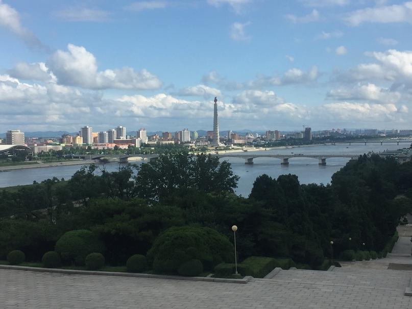 Отчет о путешествии в Северную Корею Вид на Пхеньян с сопки Моран