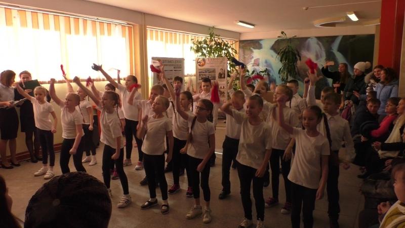 Хорошо, когда смеются дети. Выступление 2 класса на ВЫБОРАХ 2018 в МАОУ СОШ №6 с УИОП г.Калининграда.