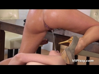 pissing_lesbians_daphne_and_iris_get_covered_in_pee_720p