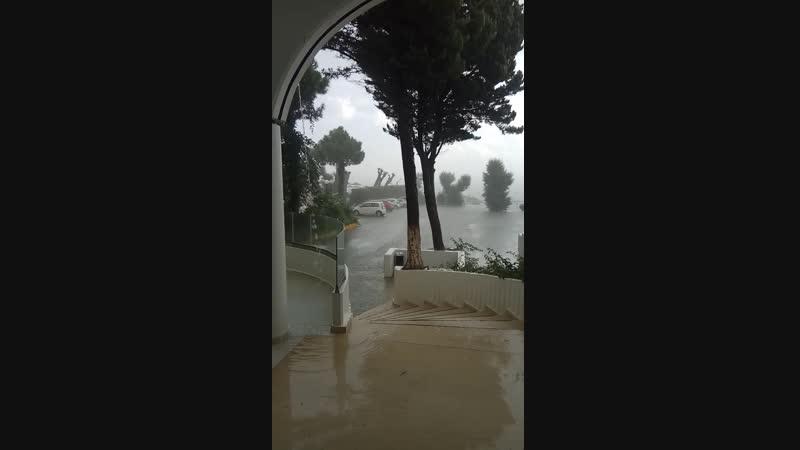 ливень на острове Родос в Греции 01.10.18