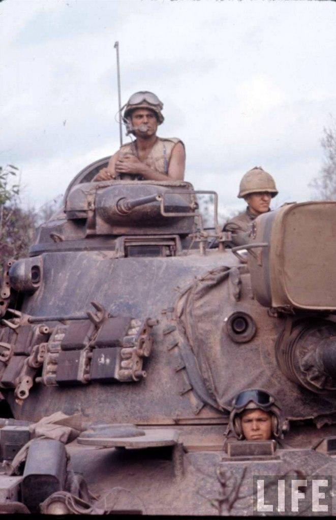 guerre du vietnam - Page 2 EsLKOjODwhQ