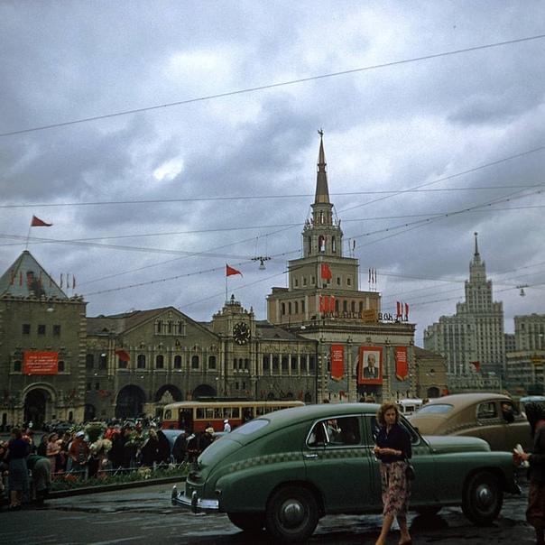 Площадь у Казанского вокзала