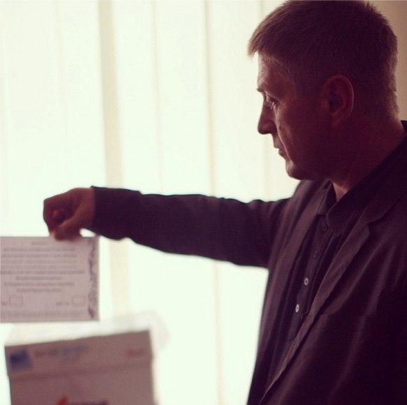 Референдум в Луганской и Донецкой областях состоялся! FXCiUi4efaA