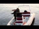 El bombası ile balık tutmaya çalışan adamlar