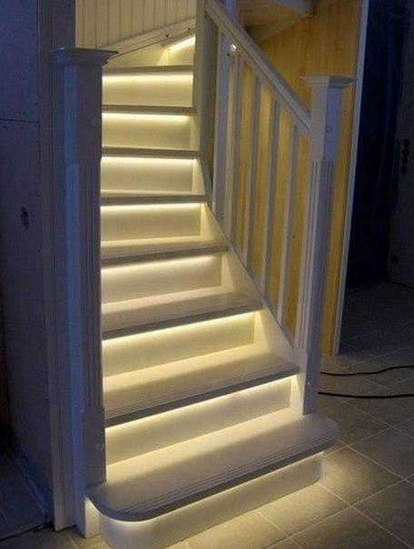 Лестница с подсветкой (1 фото) - картинка