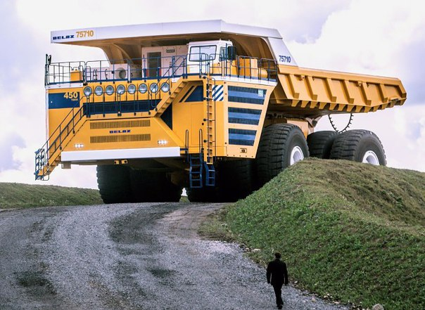 450-тонный БелАЗ: самый большой в мире самосвал