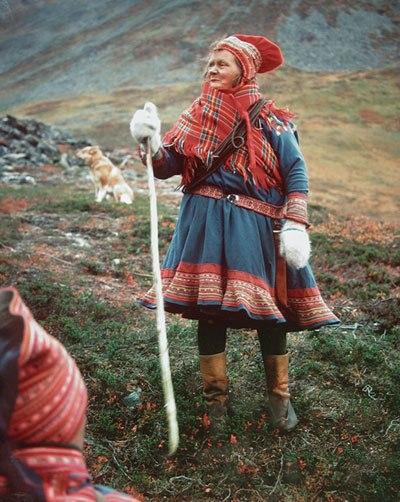 саамский народный костюм рисунок