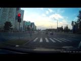 Дети перебегают дорогу на красный