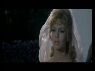 pervaya-brachnaya-noch-prekrasnoy-anzheliki-i-zhoffreya-erotika-zhenshin-po-video