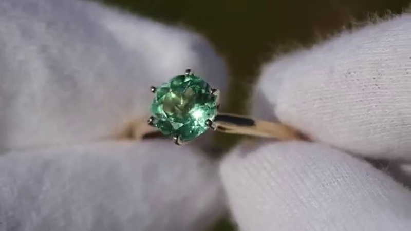 Beautiful Natural Colombian Emerald Solitaire White Gold Ring 14k 0.81 Ct