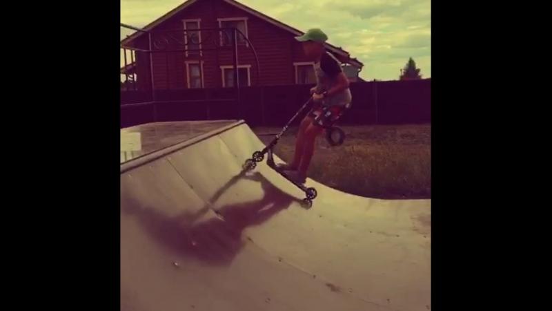 Учусь кататься и делать трюки