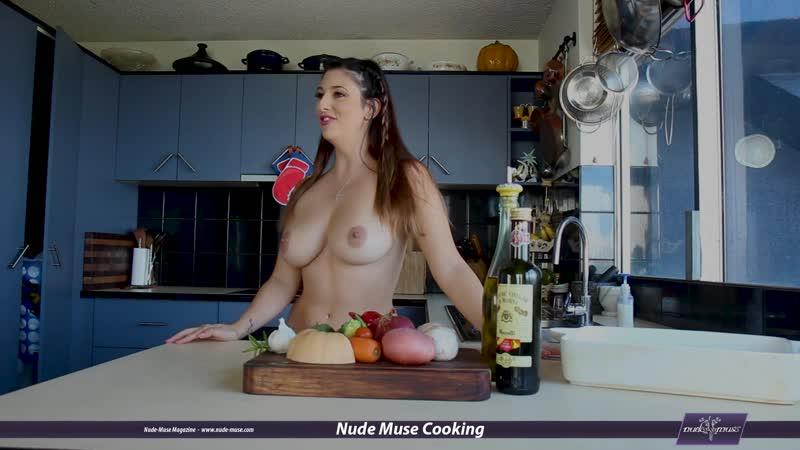 Nude Muse Cooking S06E09 Scarlett-Morgan