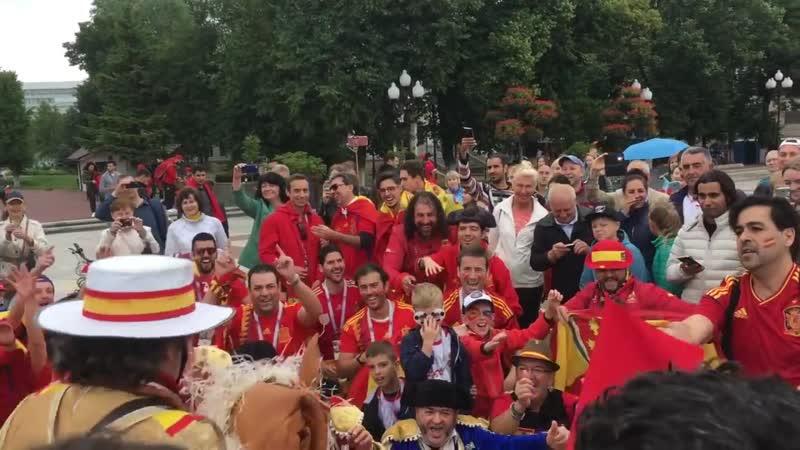 Коррида в Калининграде перед матчем Испания Марокко