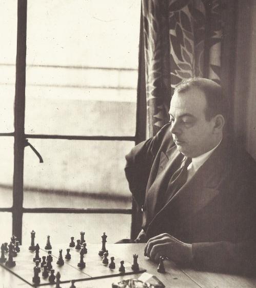 На фото: Антуaн де Сент-Экзюпери. 1940г.
