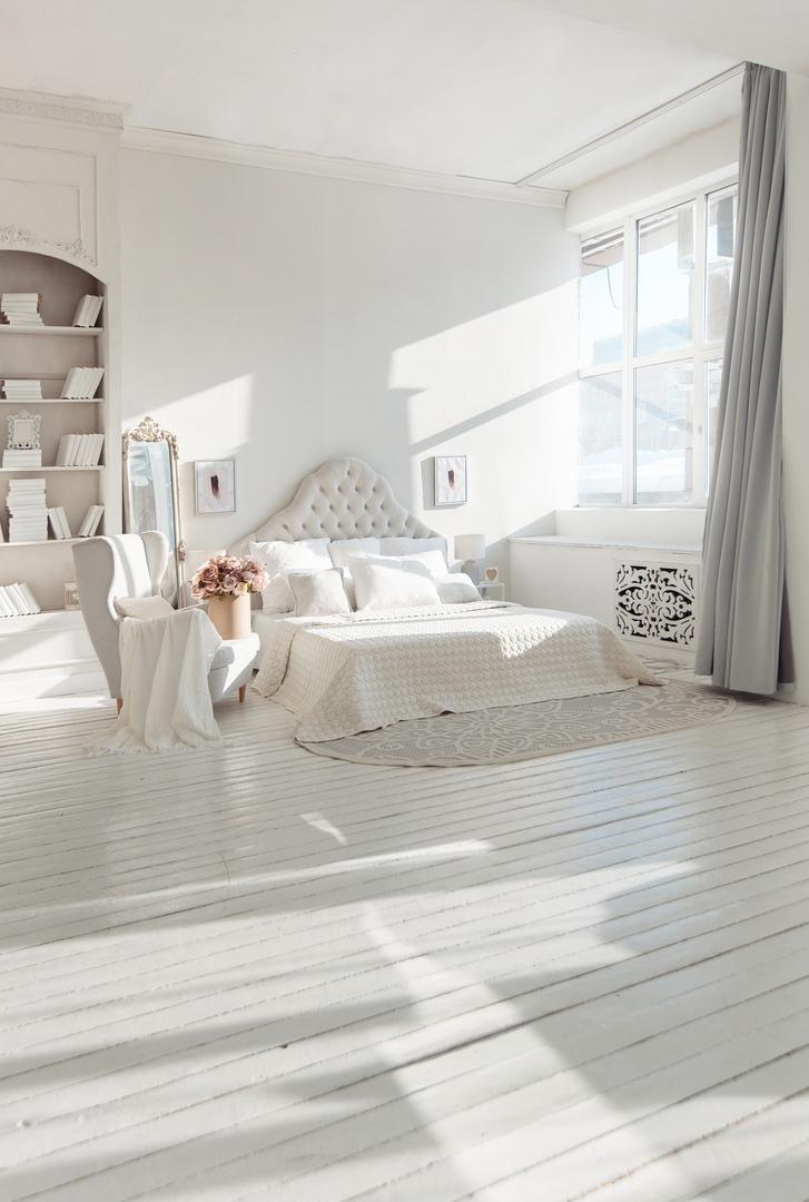 целью фотостудия с белой кроватью наверняка, ищут