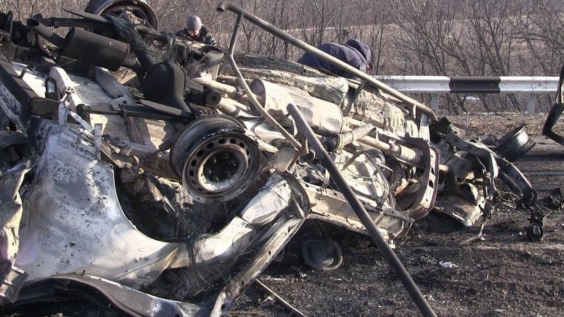 Выживший рассказал подробности взрыва микроавтобуса на Донбассе Опубликовано 23 февр 2019 г