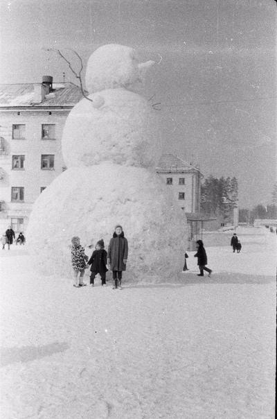 На фото периода 19661971 годов запечатлен уголок секретного советского города Пенза-19, он же Заречный