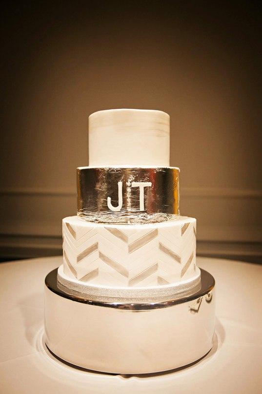 OfjNQw9BaaM - Золотые и серебряные свадебные торты 2016 (70 фото)