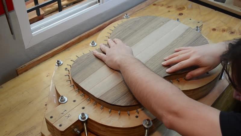 En busca de un sonido by Juan Sebastián Keller Luthier in YOUtube.
