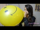 Samdi Playing with 12 Balloons Sit popping - Nail popping - Blow to Pop - Stomp to pop