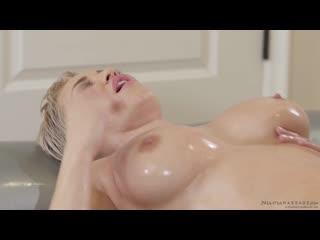 Молодая дочка сделала массаж и трахнула зрелую сочную маму short sex lesbian family incest mom milf young old hd (hot&horny)