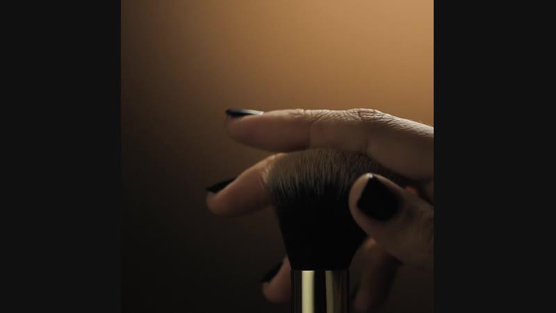 Фаберлик | Faberlic - кисти для румян, пудры и тональной основы №2