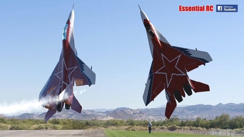 FANTASTIC Russian Mikoyan Gurevich MiG-29 FORMATION PAIRDUO with OVT VECTORED THRUST Demo