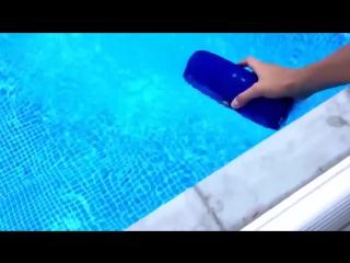 Водонепроницаемая беспроводная колонка + тест водонепроницаемости