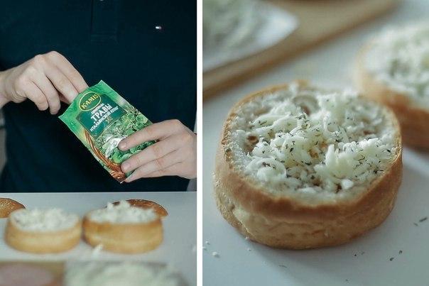 Яичница в булке — отличная идея для завтрака! Не ленись, пробуй!