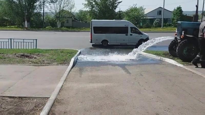 Водоканал в Саранске сливает ливневку на дорогу (Алово Салазгорь Явас Леплей Барашево)