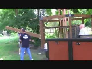 Зона барбекю на даче (ускоренное видео) -