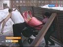 Бетонный козырек одного из подъездов многоквартирного дома обрушился в газовой столице Ямала