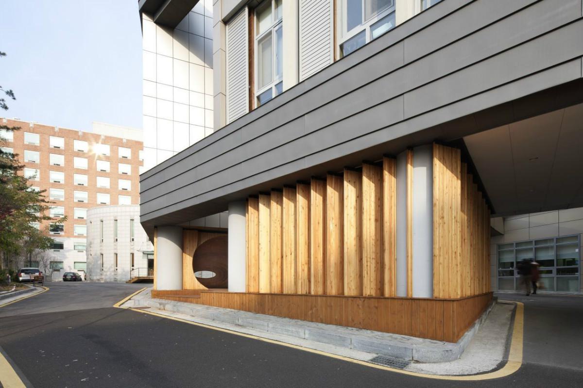 Прекрасная идея как непривлекательное пространство бывшей парковки превратить в удобную среду для отдыха,