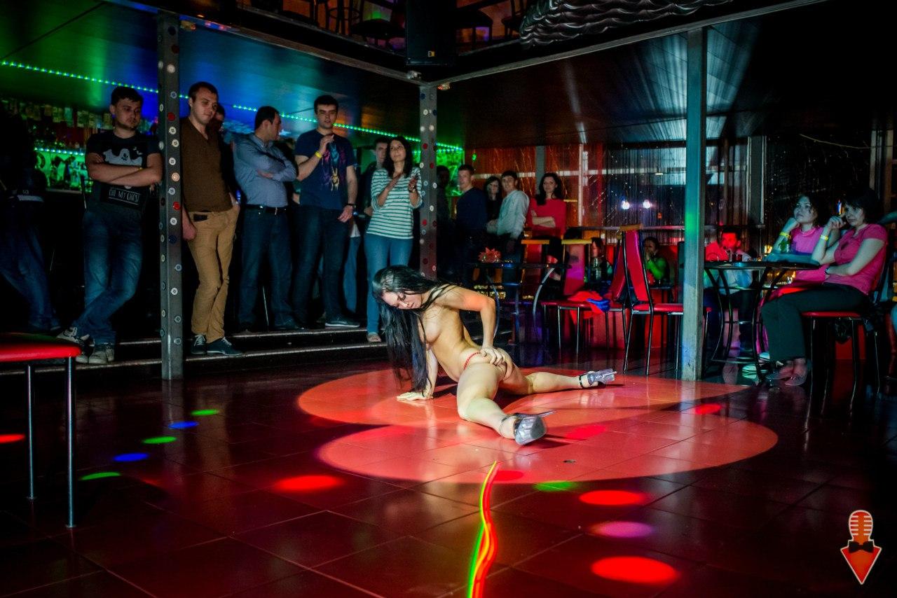 Стрептиз конкурсы в ночном клубе тендер клуб москва