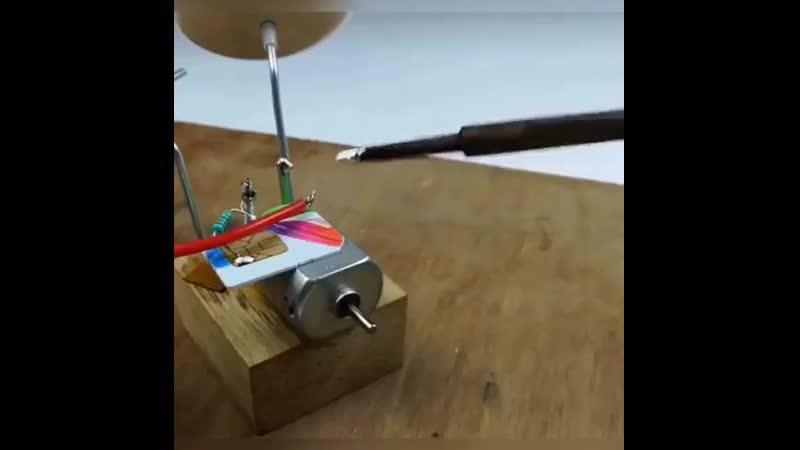 Индийские инженеры изобрели вечный двигатель