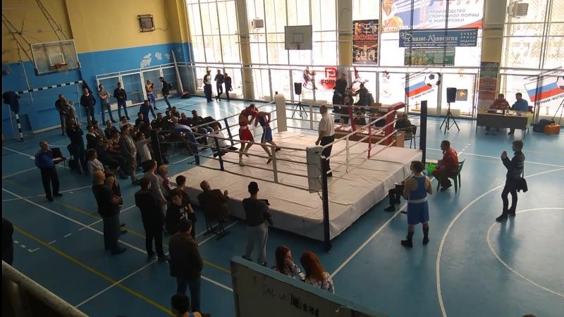Бой Максима Черничука чемпиона в лёгком весе по версии (WPBFUSBC), а так же (PABA) vs Неизвестный парень