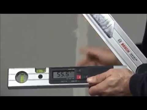 Цифровой угломер BOSCH GAM 220 MF Professional (для обработки плинтусных реек)