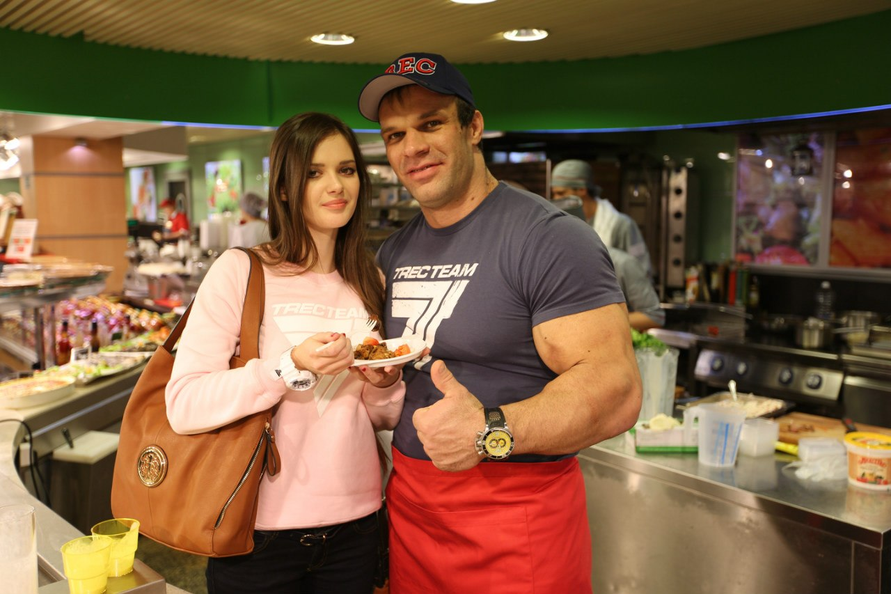 Denis Cyplenkov with his girlfriend - TV Cooking Show │ Photo Source: Trec Nutrition