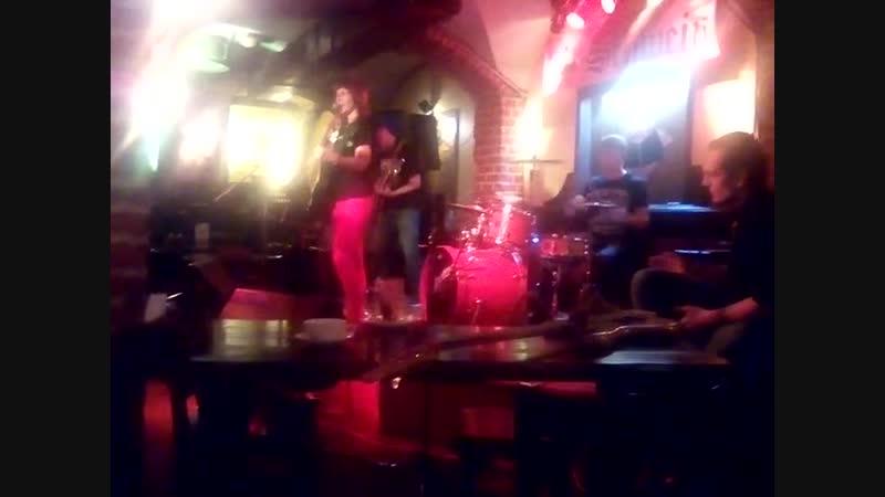 Группа ВераРа - Выхода нет (Сплин cover, рок-вечер в клубе Швайн, 04.11.18)